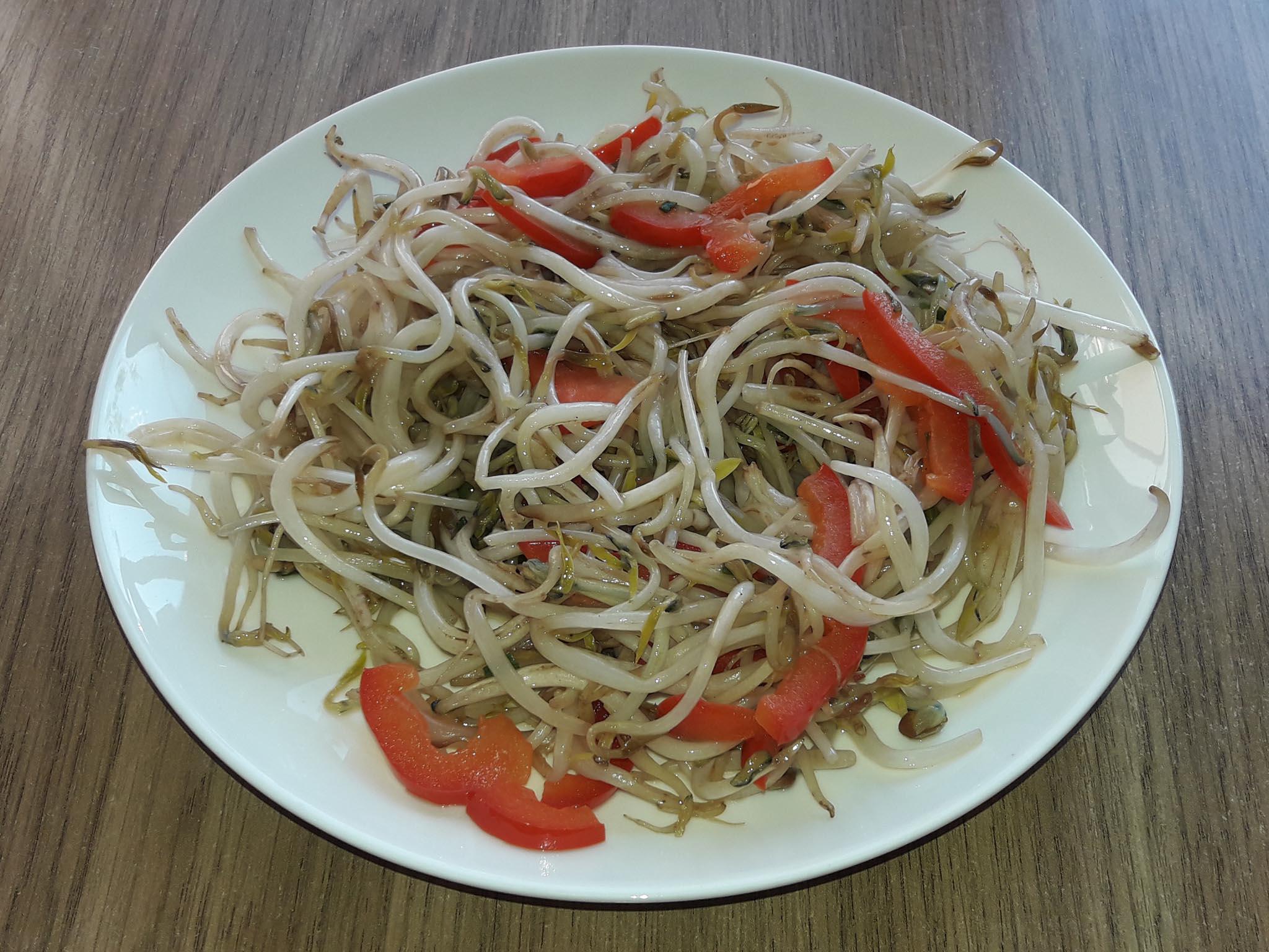 Бобовые ростки со сладким перцем по-китайски. Рецепт. Китайская вегетарианская кухня